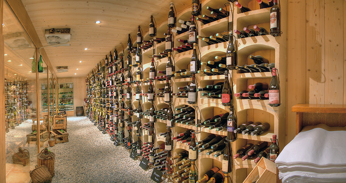 Fitting out of wine cellars for Amenagement cave