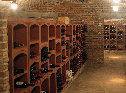 fitting out of wine cellars. Black Bedroom Furniture Sets. Home Design Ideas